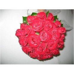 Red Rose Cluster Bouquet